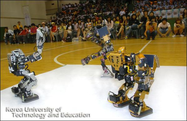 ˝가제트˝ 로봇춤 시연에 경진대회 열기 ˝후끈˝