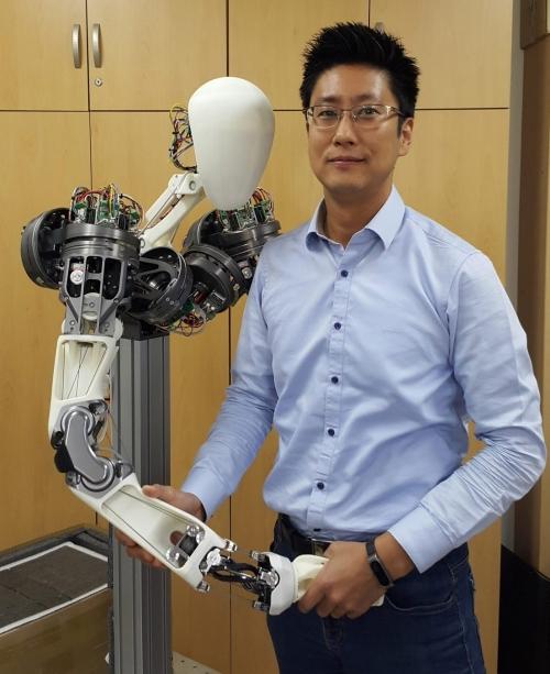 코리아텍 김용재 교수, 네이버랩스와 산학협력 '로봇팔' 개발 성공