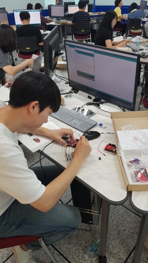 스마트러닝팩토리에서 'IoT(사물인터넷) 설계 캠프' 호응